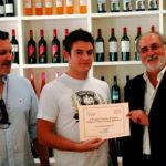 Luis Esteban recogiendo el tercer premio