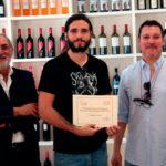 Oscar Soler Pastor recogiendo el segundo premio